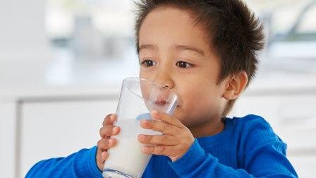 दूध यसरी बन्दैछ अमृतवाट विष
