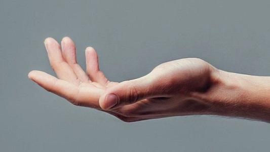 'स्नायु नसा पुनः जोड्ने विधि'पछि हात खुट्टा नचल्ने पक्षघात बिरामीले यसरी पाए नयाँ जीवन