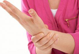जाडोमा हात फुट्नबाट कसरी बच्ने ? यस्ता छन् उपाय